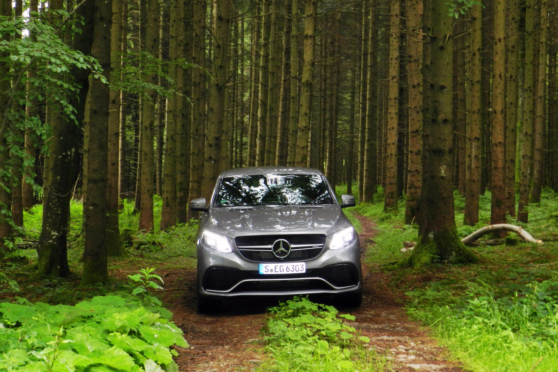 http://www.autos.ca/wp-content/uploads/2015/06/2016-Mercedes-Benz-GLE-63S-AMG-Coupe-JB-13.jpg