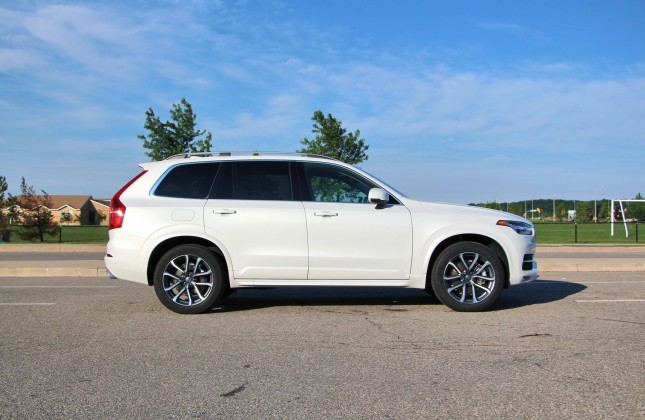 test drive 2016 volvo xc90 t6 drive e momentum. Black Bedroom Furniture Sets. Home Design Ideas