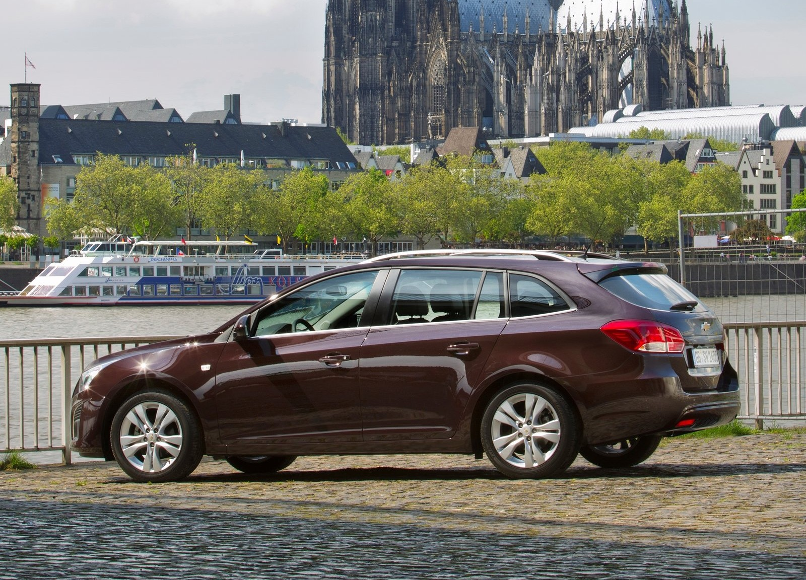 Cruze Hatch For Usa | 2015 Best Auto Reviews