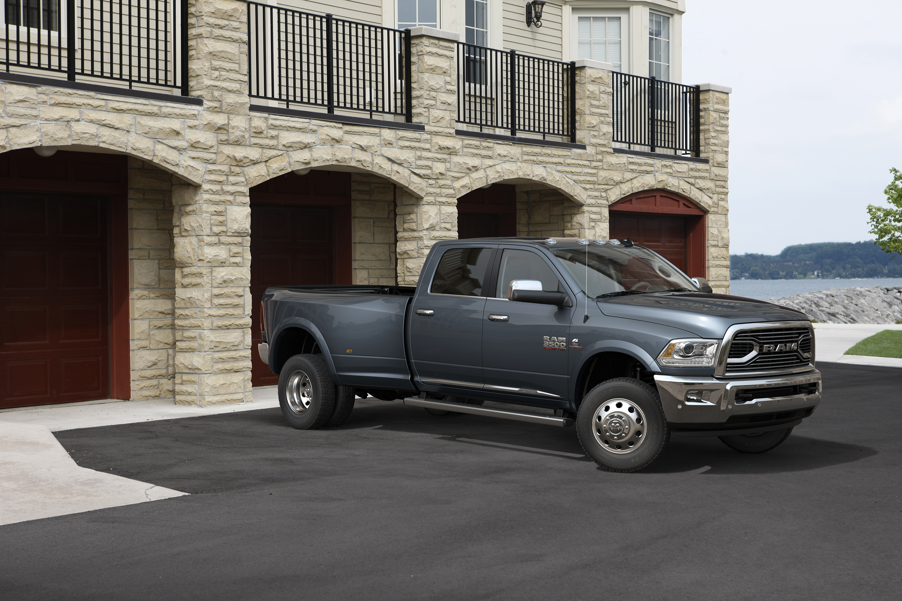 2016 ram 3500 laramie limited heavy duty crew cab dually 4x4. Black Bedroom Furniture Sets. Home Design Ideas