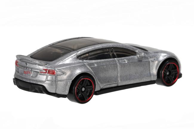 hot-wheels-tesla-3