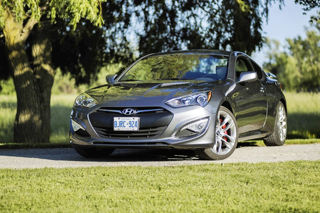 test drive 2015 hyundai genesis coupe page 5 of 5. Black Bedroom Furniture Sets. Home Design Ideas