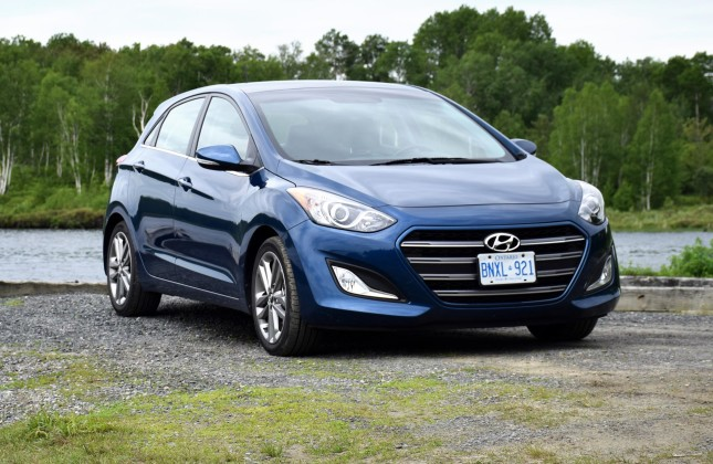 test drive 2016 hyundai elantra gt limited page 2 of 3 page 2. Black Bedroom Furniture Sets. Home Design Ideas