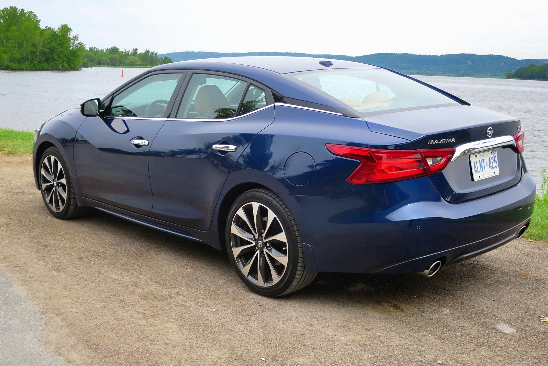 http://www.autos.ca/wp-content/uploads/2015/07/2016-Nissan-Maxima-SR-PW-04.jpg