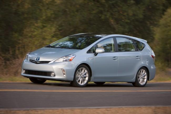 2012 Toyota Prius V, US images