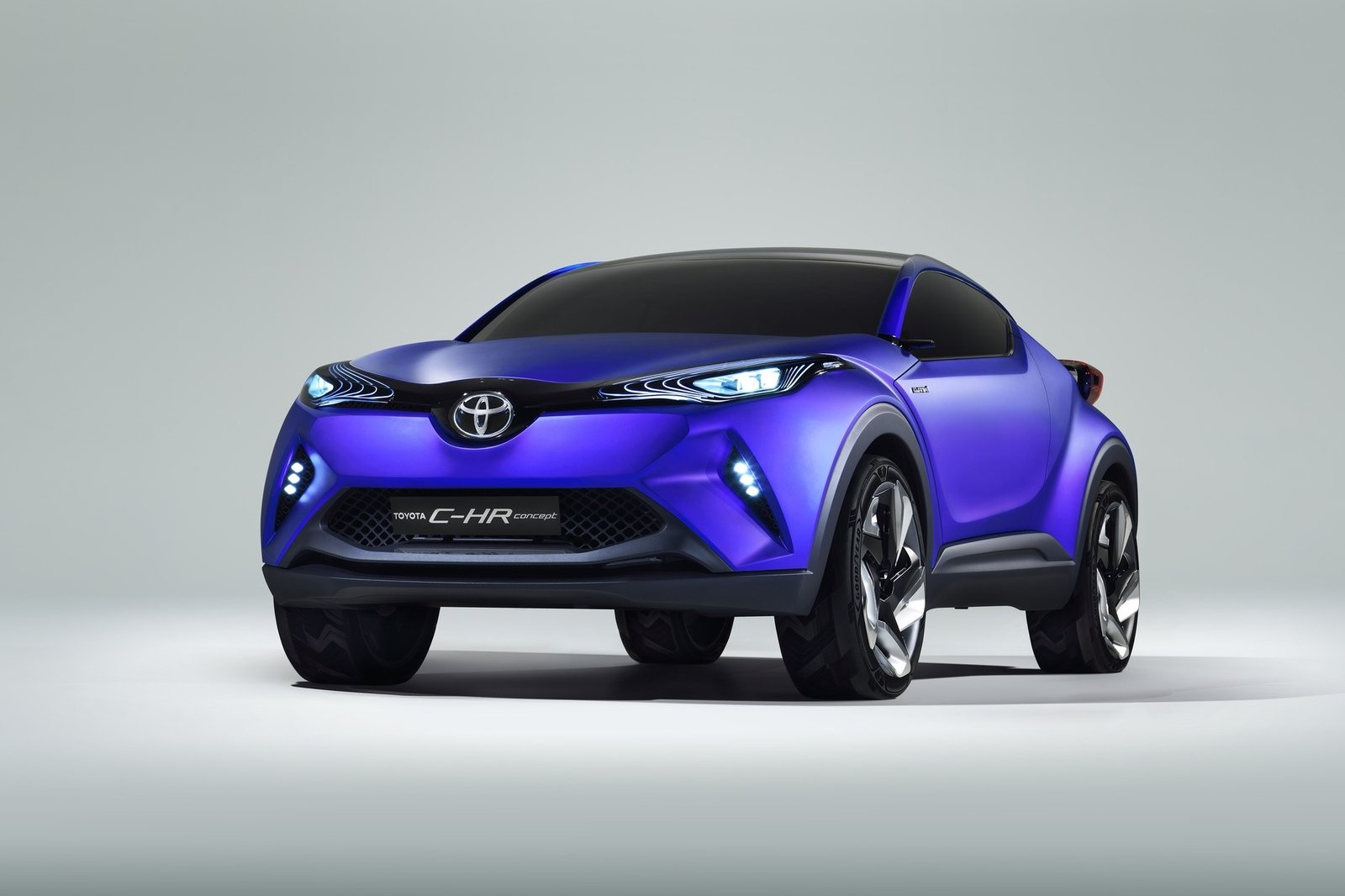 new toyota compact crossover set for 2016 geneva auto show debut. Black Bedroom Furniture Sets. Home Design Ideas