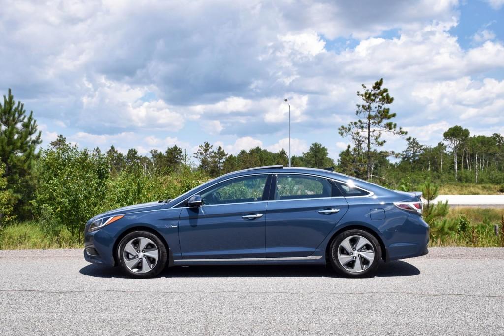 Test Drive 2016 Hyundai Sonata Hybrid Autos Ca
