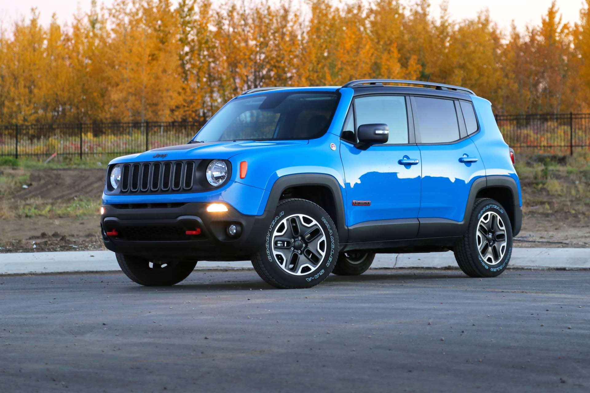 test drive 2015 jeep renegade. Black Bedroom Furniture Sets. Home Design Ideas