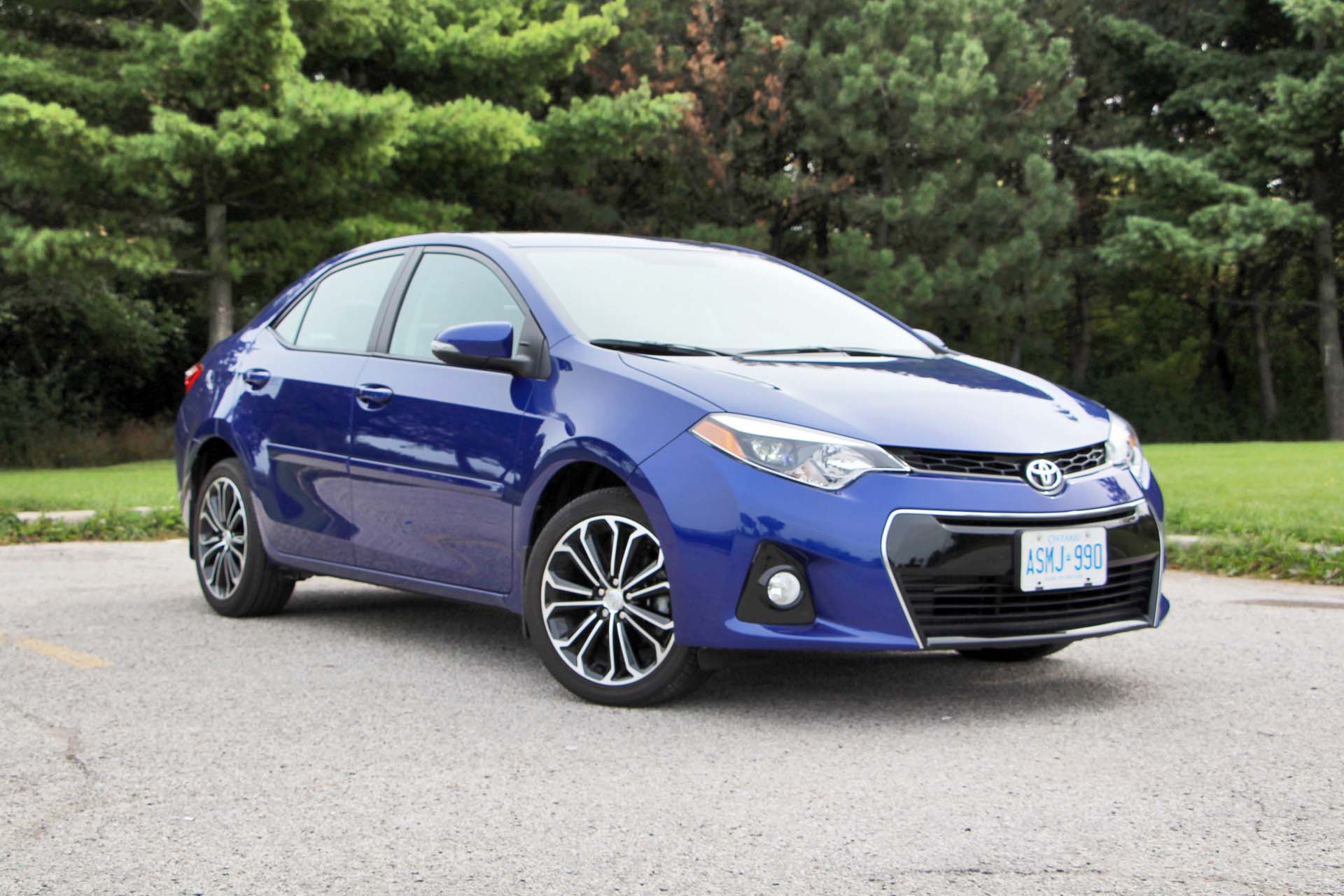 and camry angular sedan toyota rating front motor cars reviews en canada trend xse