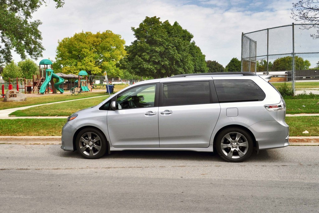 test drive 2015 toyota sienna se page 3 of 3 page 3. Black Bedroom Furniture Sets. Home Design Ideas
