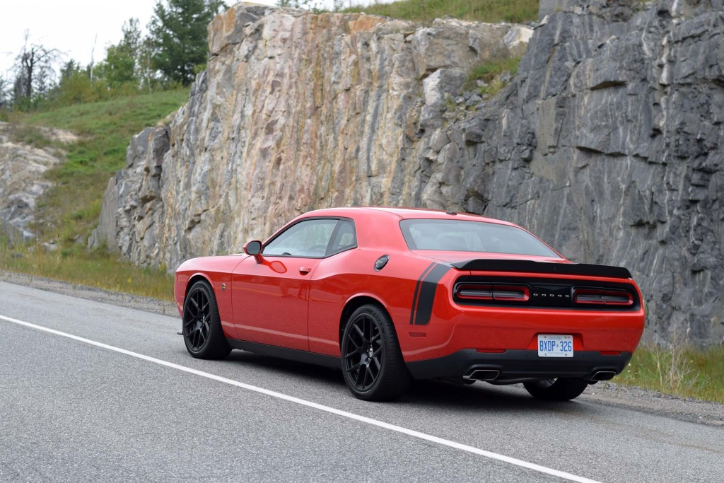 build a 2015 challenger rt with shaker autos post. Black Bedroom Furniture Sets. Home Design Ideas