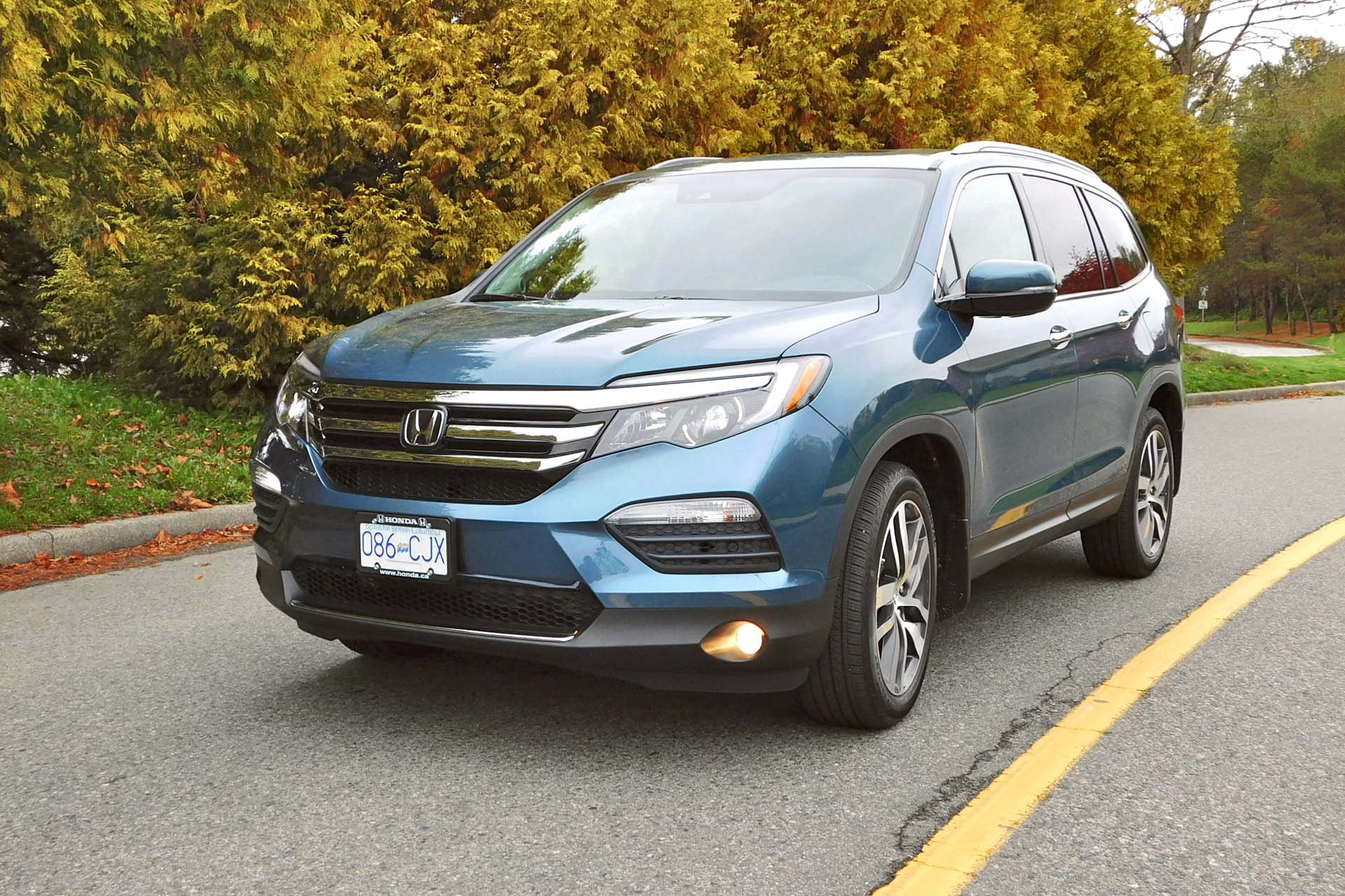 test drive 2016 honda pilot touring awd. Black Bedroom Furniture Sets. Home Design Ideas