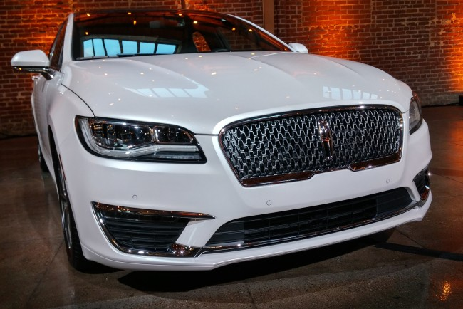2017 lincoln mkz CHASE 2