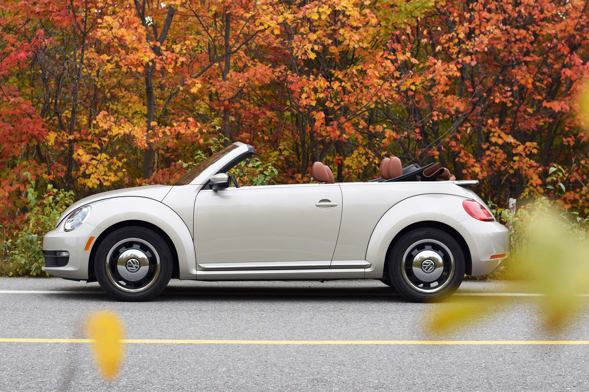 2016 volkswagen beetle classic convertible. Black Bedroom Furniture Sets. Home Design Ideas