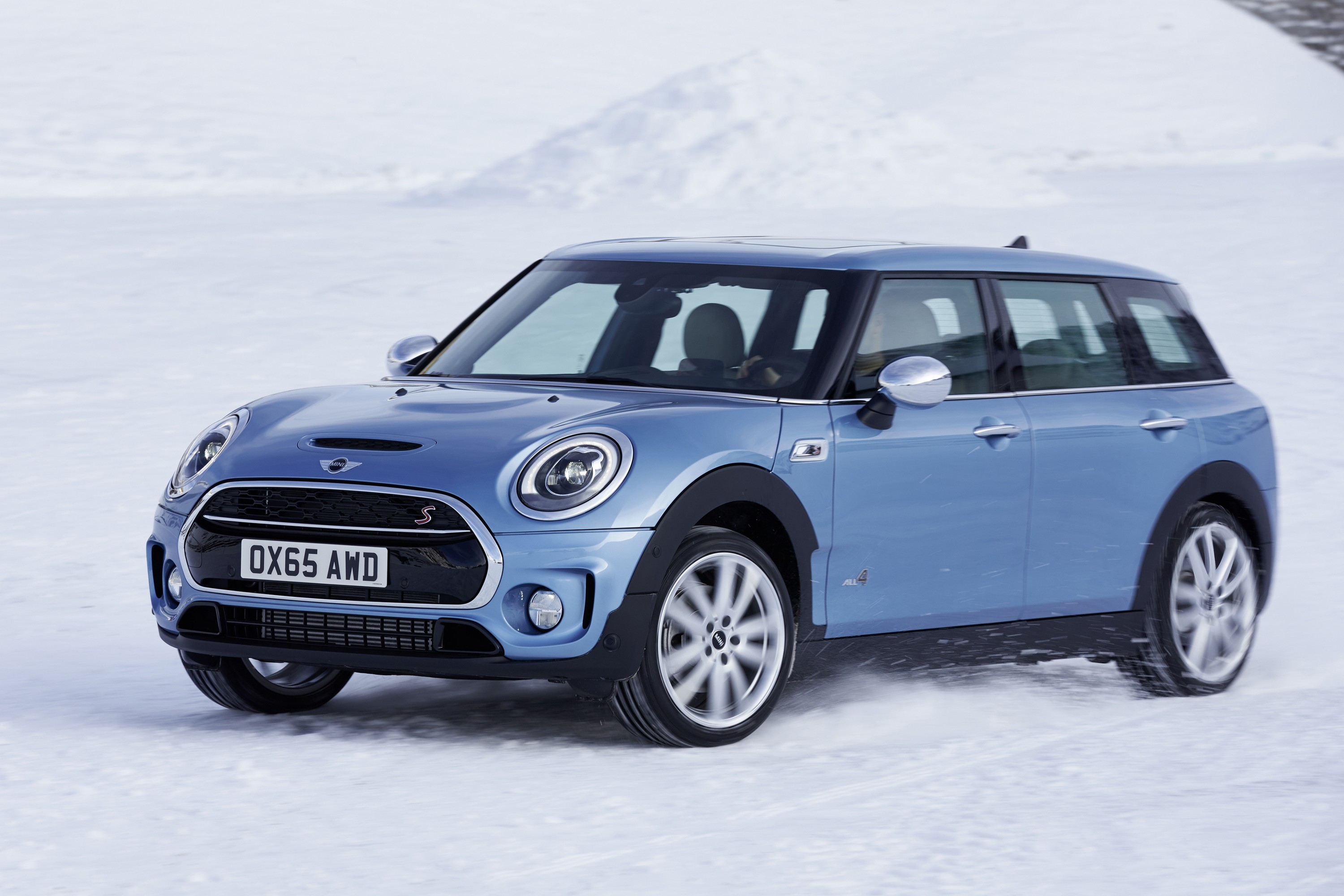 mini clubman all4 to start at 26 990 in canada. Black Bedroom Furniture Sets. Home Design Ideas