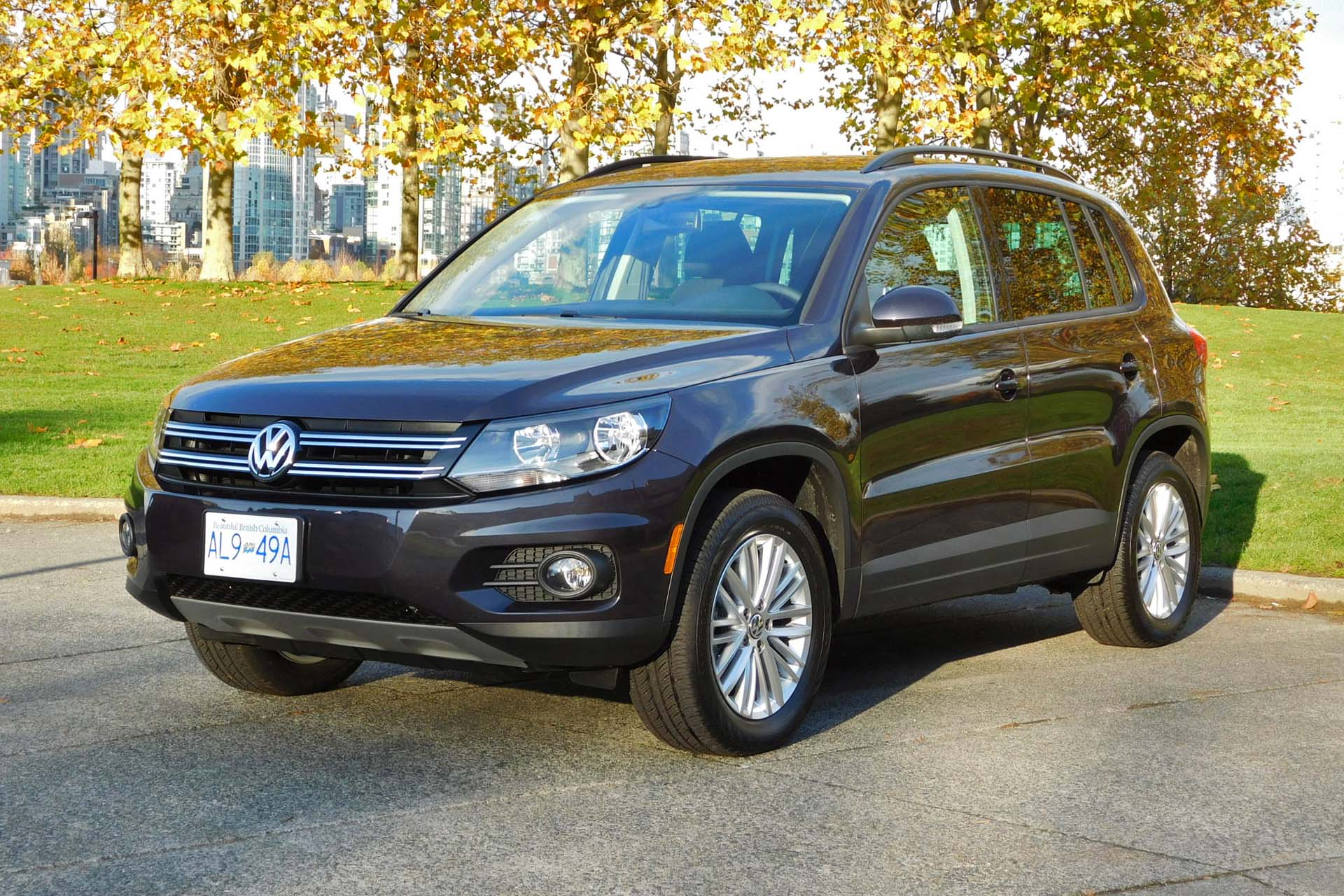 2016 volkswagen tiguan se. Black Bedroom Furniture Sets. Home Design Ideas