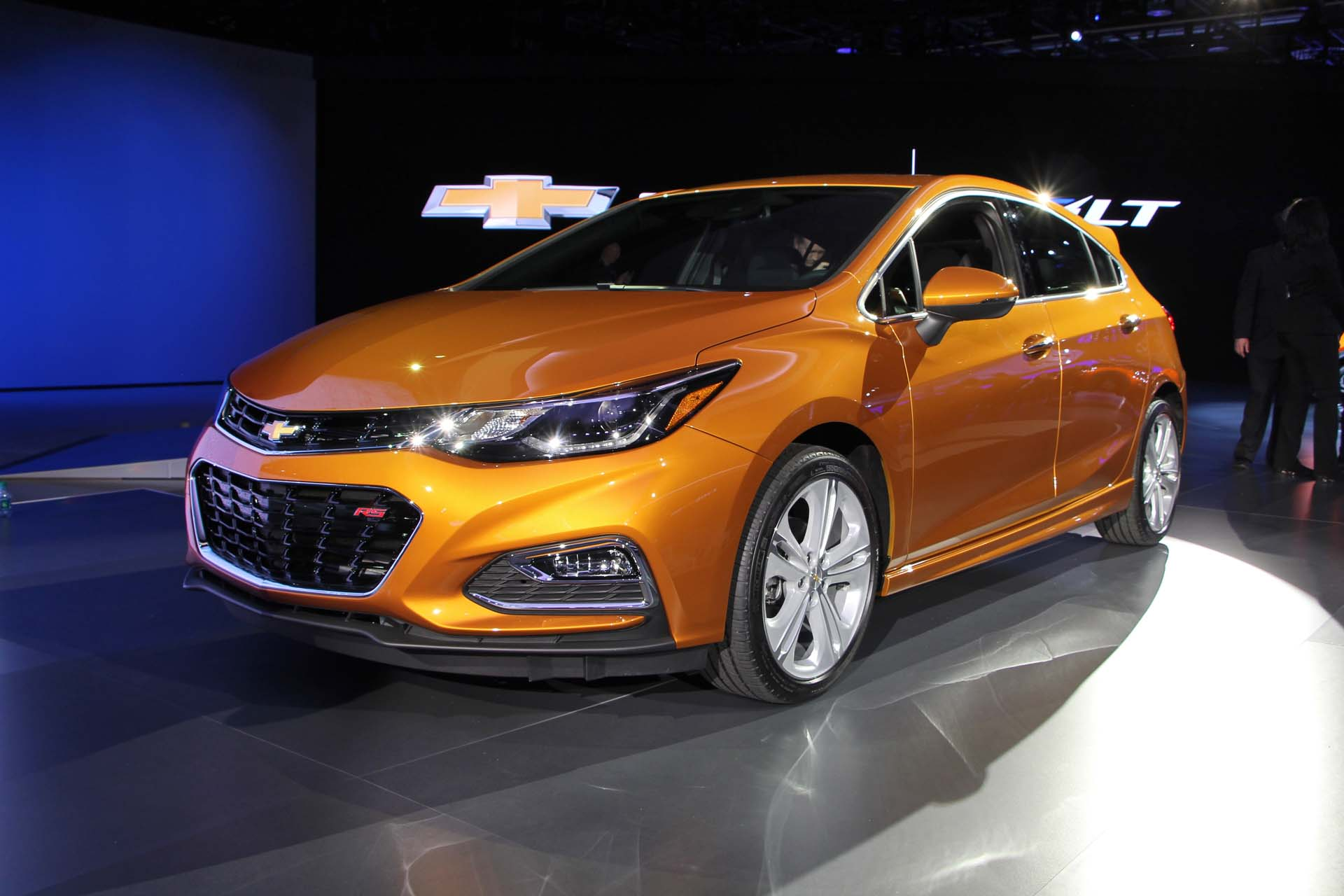 preview 2017 chevrolet cruze hatch. Black Bedroom Furniture Sets. Home Design Ideas