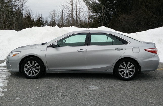 day by day review 2016 toyota camry hybrid. Black Bedroom Furniture Sets. Home Design Ideas