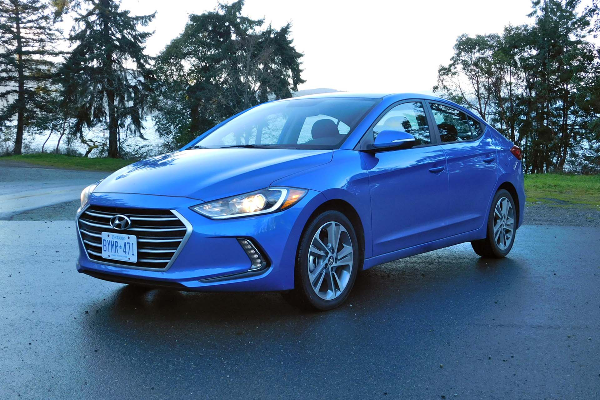 sport minded civic hyundai reviews honda value vs thrills elantra si comparison