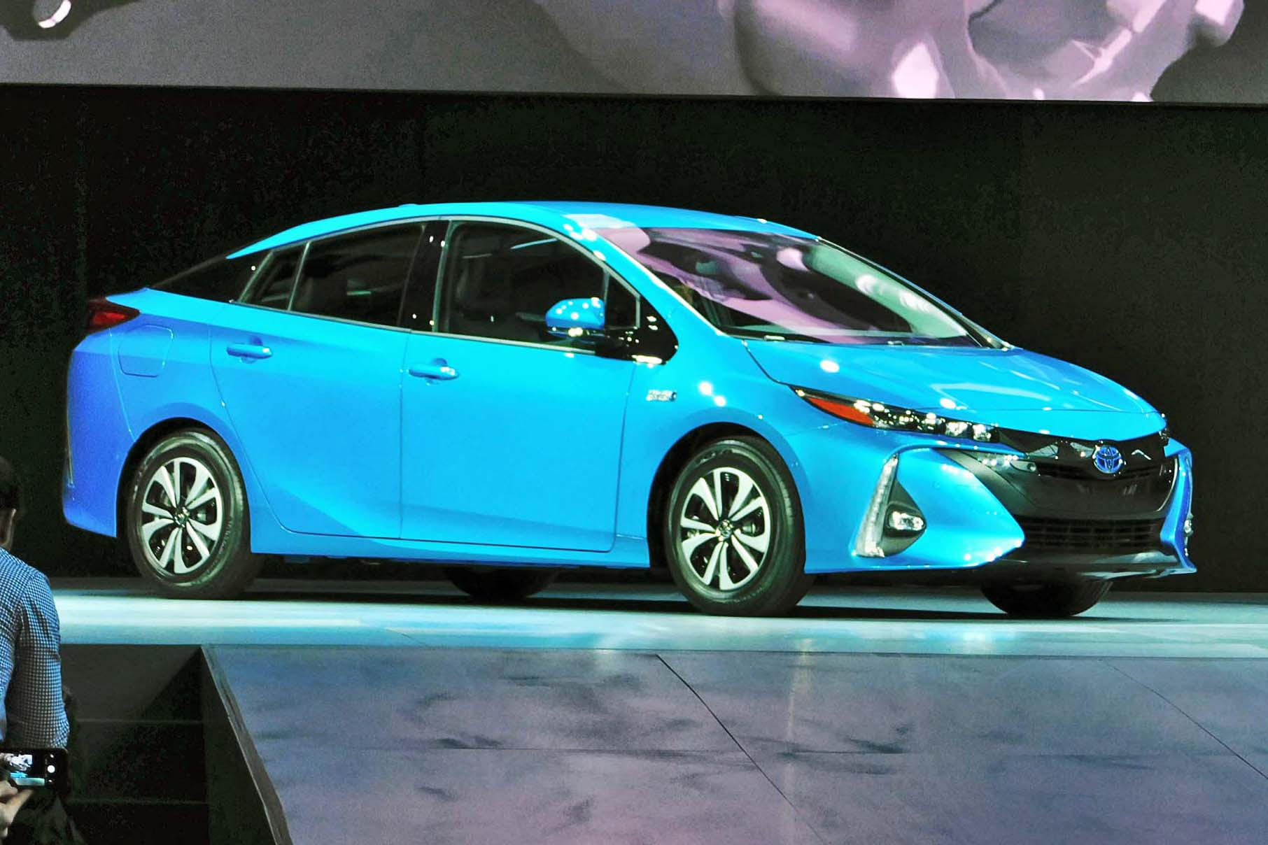 Toyota Prius Prime Charges Into New York Autos Ca