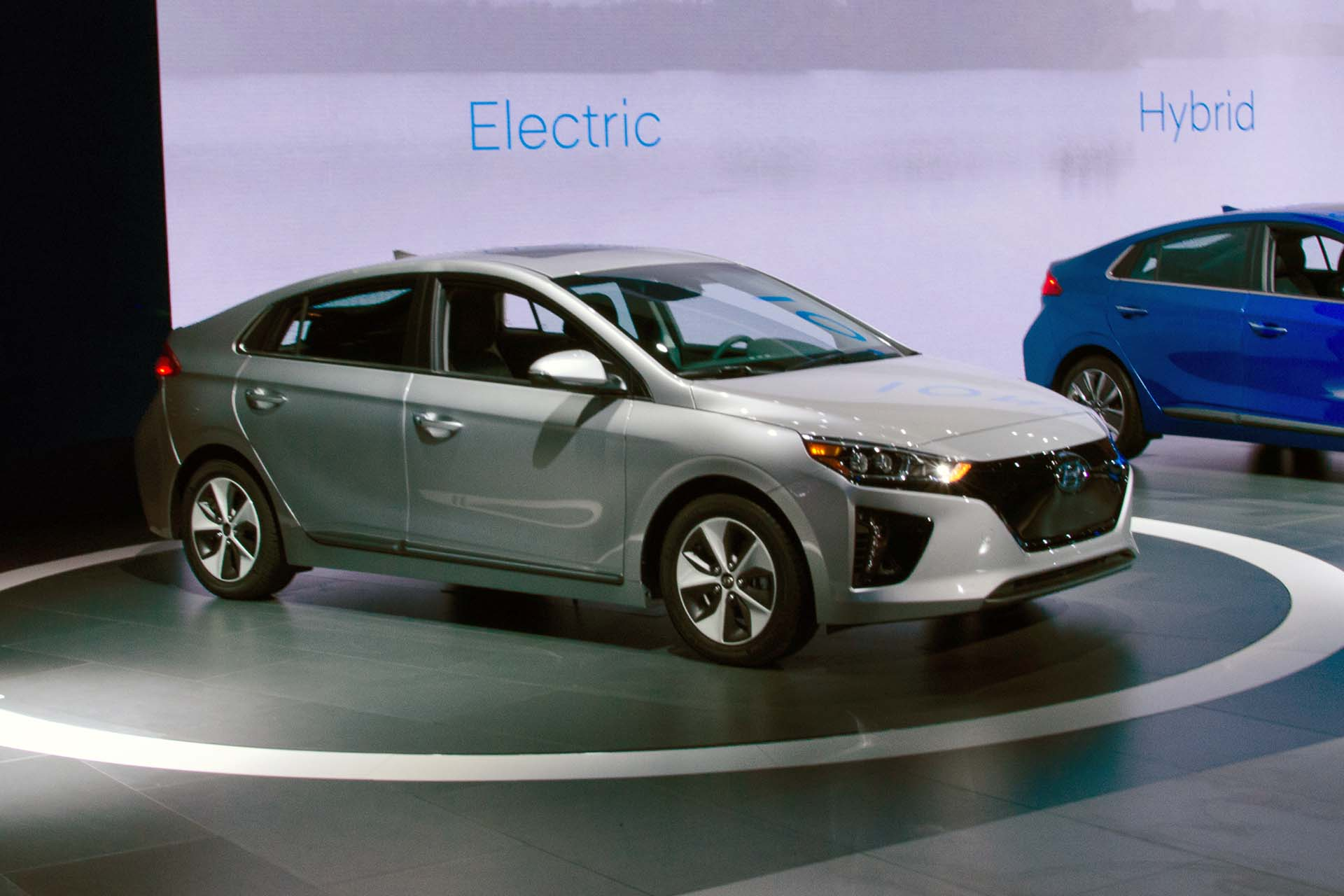 hyundai launches its new ioniq hybrids and ev at new york auto show. Black Bedroom Furniture Sets. Home Design Ideas
