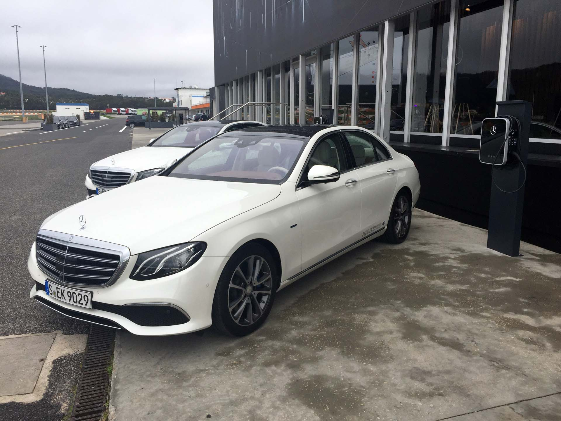 2017 mercedes benz e class. Black Bedroom Furniture Sets. Home Design Ideas