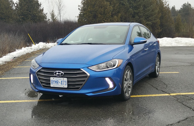 Day By Day Review 2017 Hyundai Elantra Limited Autos Ca