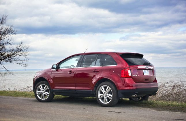 used vehicle review ford edge 2011 2014 and lincoln mkx 2011 2015. Black Bedroom Furniture Sets. Home Design Ideas
