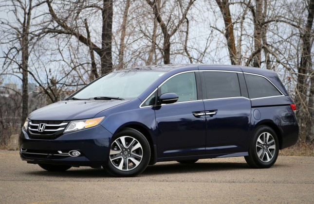test drive 2016 honda odyssey. Black Bedroom Furniture Sets. Home Design Ideas