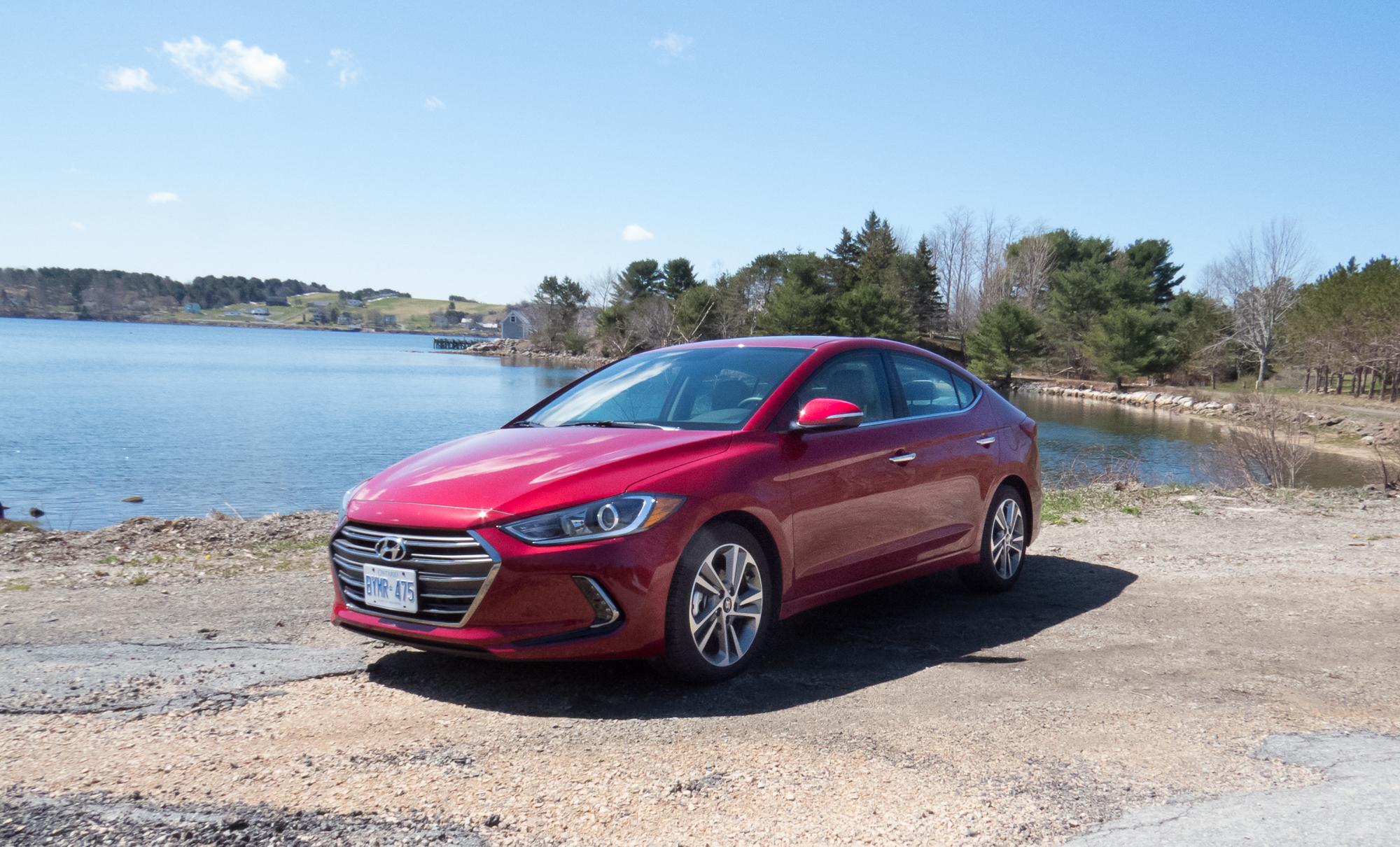 2017 Hyundai Elantra Limited Autos Ca