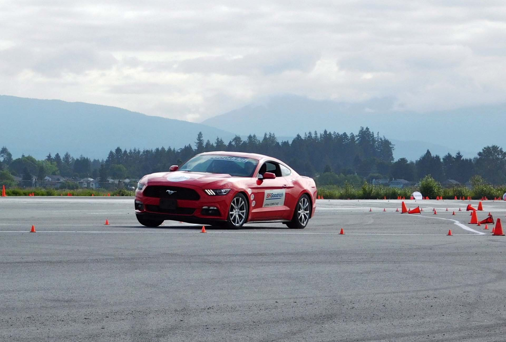 BFGoodrich g-force COMP-2 A/S vs. Continental ExtremeContact DWS06