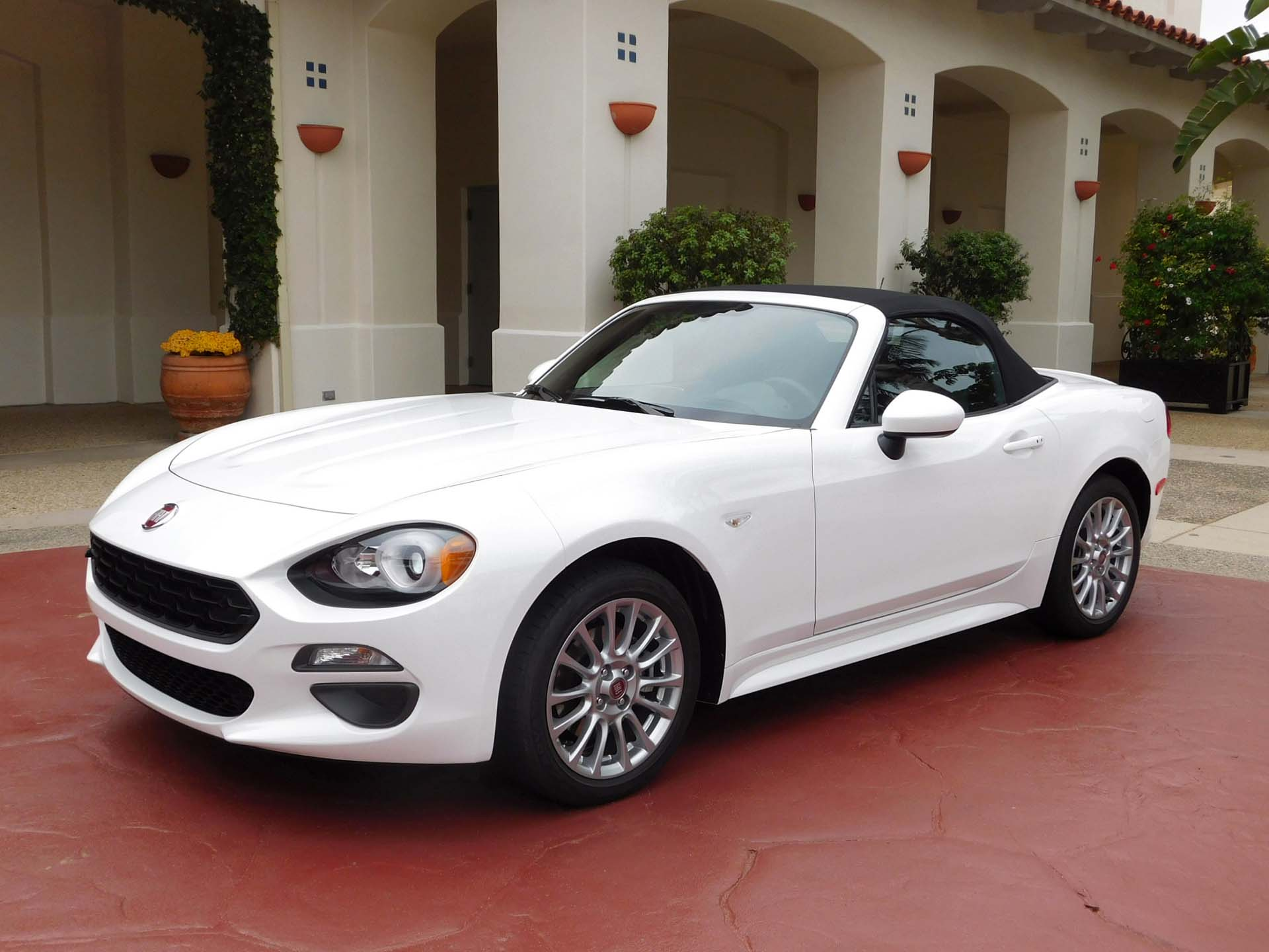 2017 fiat 124 spider. Black Bedroom Furniture Sets. Home Design Ideas