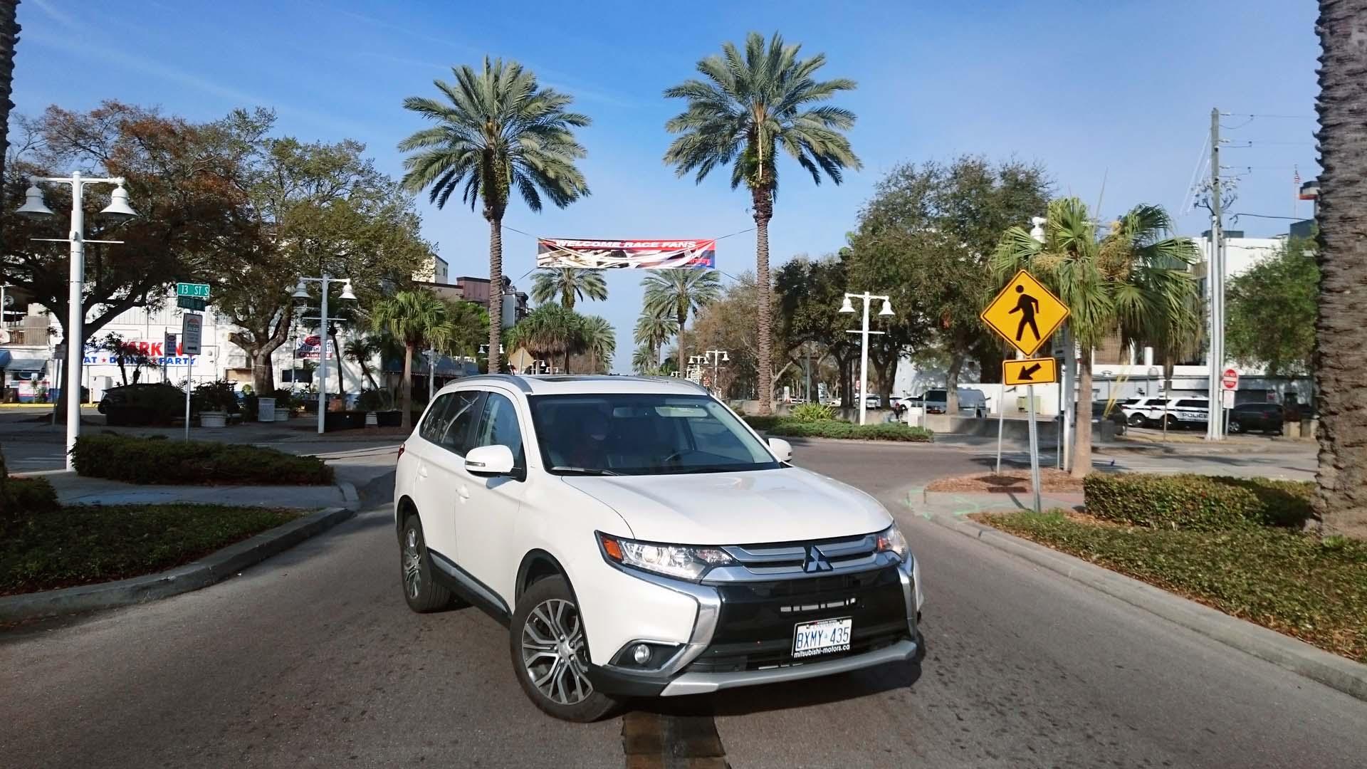 2016 Mitsubishi Outlander Road Trip