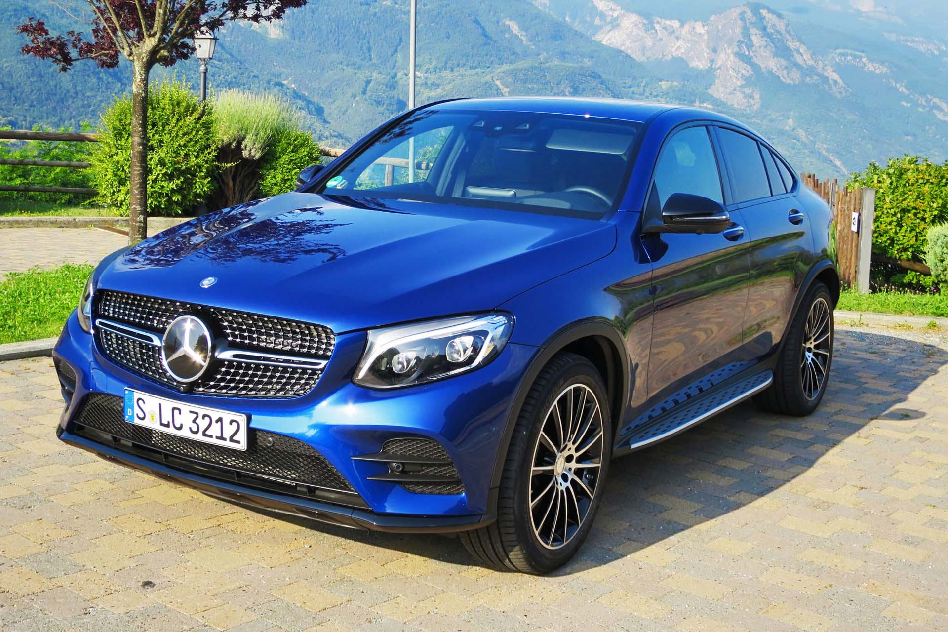2017 Mercedes Benz Glc 250 4matic Coupe Autos Ca