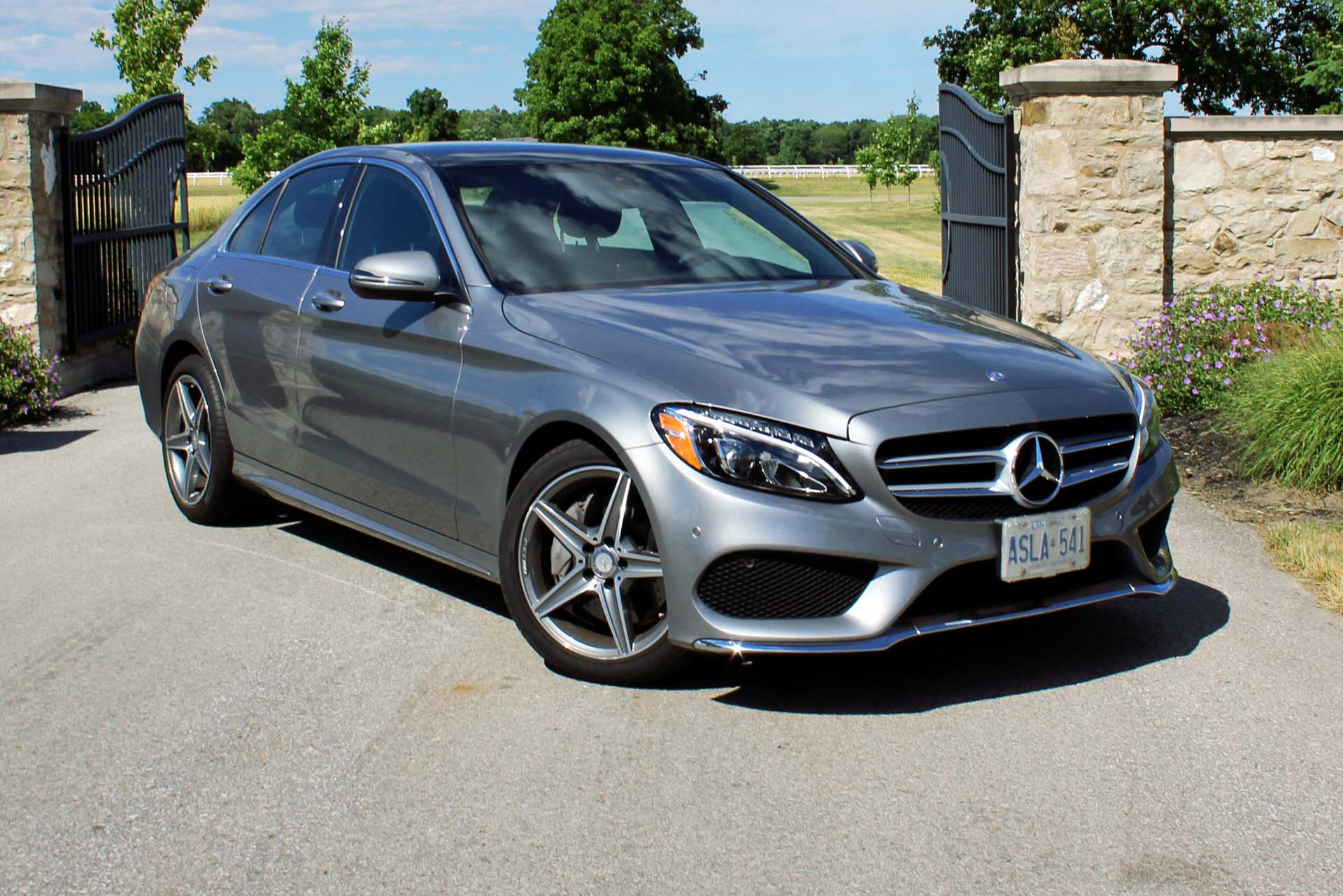 Test drive 2016 mercedes benz c 300 4matic for Mercedes benz 300