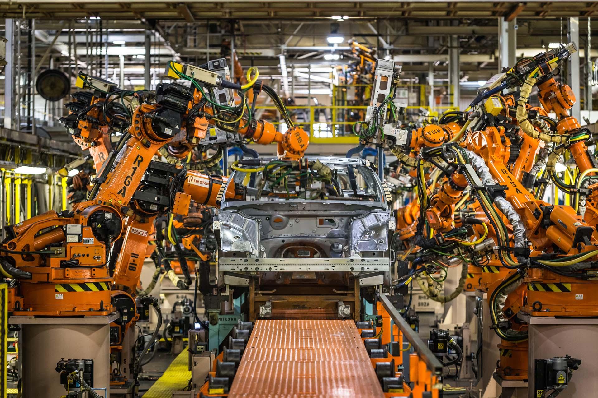 Chrysler Brampton Plant Chrysler Changes Name To Fca