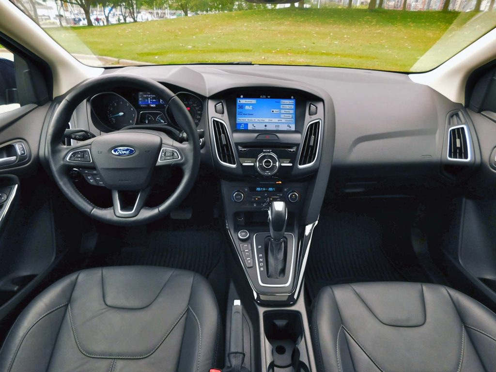 test drive 2016 ford focus titanium sedan. Black Bedroom Furniture Sets. Home Design Ideas