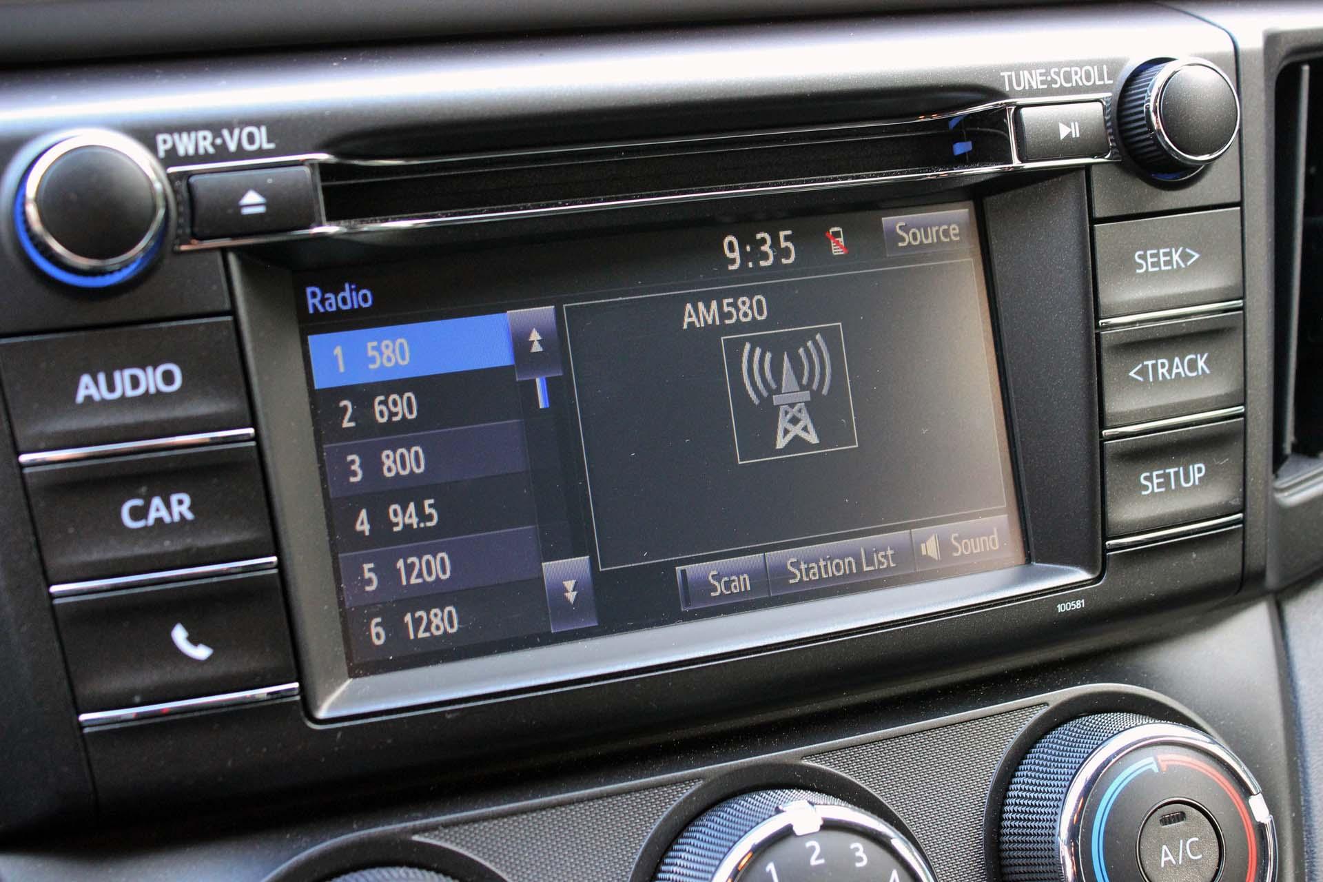 2016 Toyota RAV4 FWD LE - Autos.ca